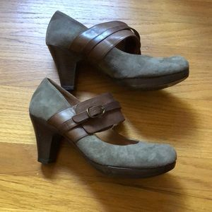 Anthropologie Chie Mihara Buckle Suede Heels 38 8